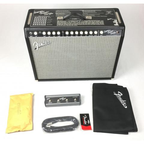 Fender Super Sonic Twin Combo con accessori