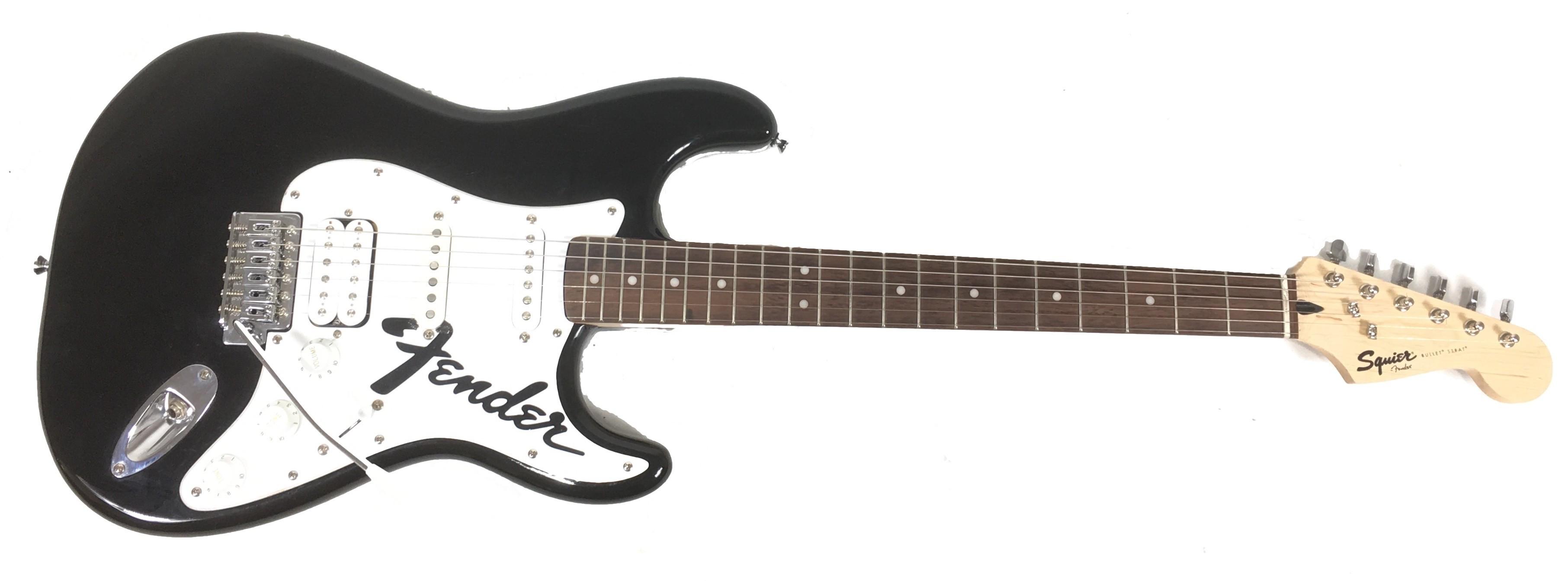 Chitarra Elettrica Fender Squier Stratocaster Bullet HSS Black 130ec847be27