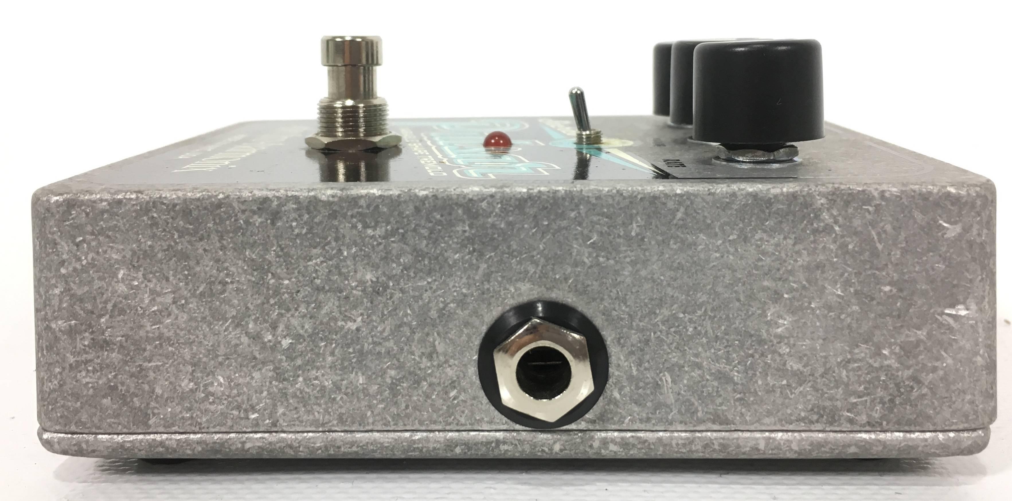 electro harmonix stereo pulsar tremolo effetti electro harmonix. Black Bedroom Furniture Sets. Home Design Ideas