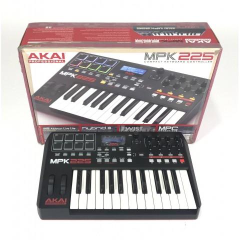 Akai Pro MPK225 Controller Midi USB