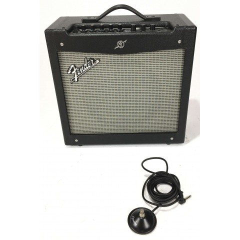 Fender Mustang II V2 con footswitch