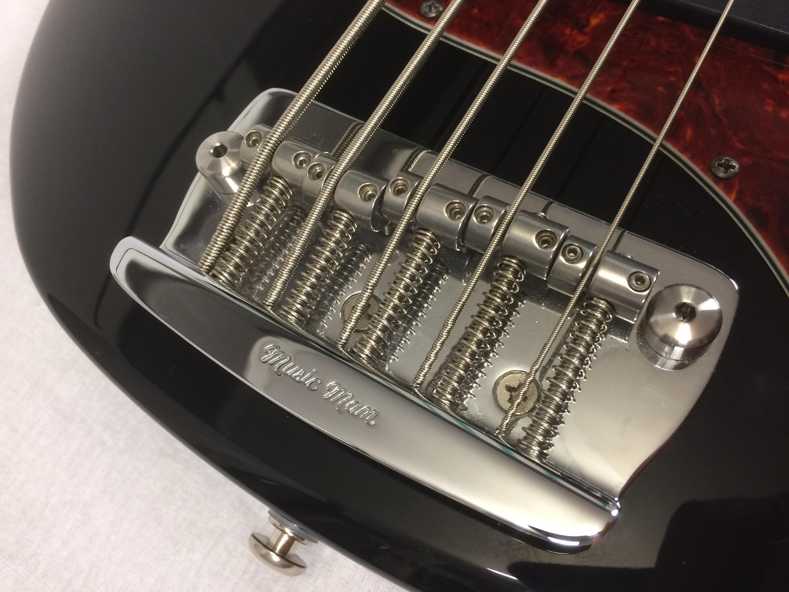 musicman stingray serial dating After the clause expired in 1975, he was made president of musicman, inc, and by 1976 his consulting firm clf research had begun producing instruments bearing the.